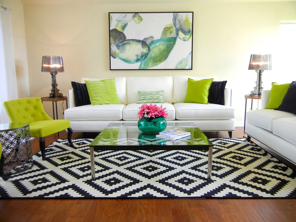Living Room with Carpet by Hyelee Design Staging Ave | Zillow Digs ...