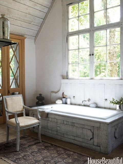 Zillow Rustic Bathrooms: Rustic Master Bathroom With High Ceiling & Horizontal Wood