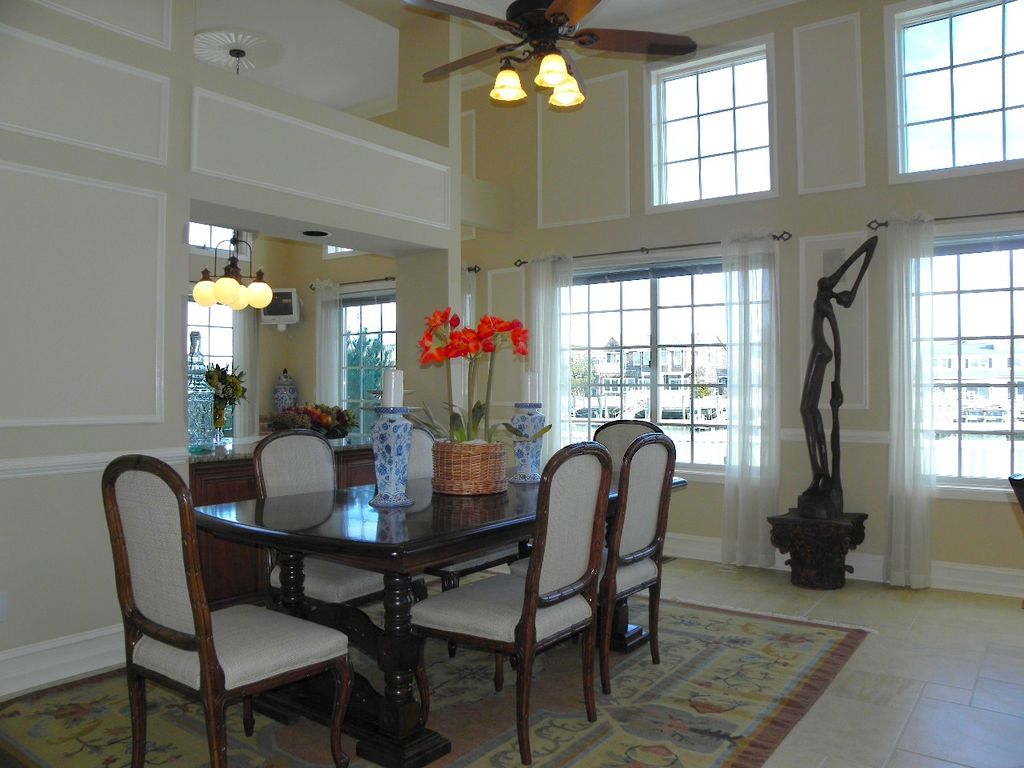 traditional dining room with chair railmark arbeit | zillow
