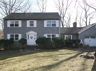 39 Woodbine Ln , Fairfield CT
