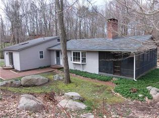 972 Moose Hill Rd , Guilford CT