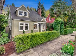 3340 E Republican St , Seattle WA