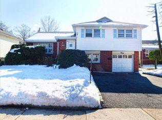 30 Williamson Rd , Bergenfield NJ