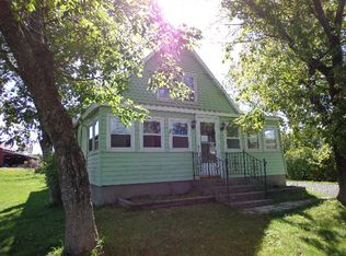 141 New Baltimore Rd , West Coxsackie NY