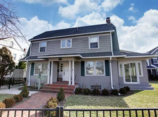 910 Far Hills Ave , Oakwood OH