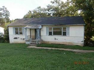805 Cherokee Trl , Rossville GA