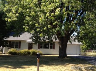 206 W Country Ln , Collinsville IL