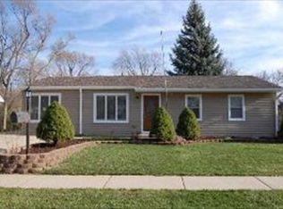 141 Cedar Cir , Streamwood IL
