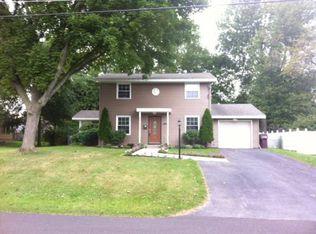 7191 Rosewood Cir , North Syracuse NY