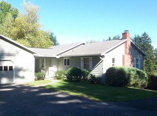 192 Millerton Rd , Lakeville CT