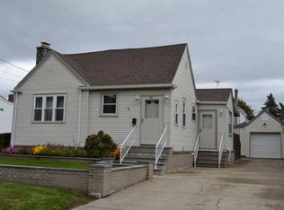 282 Greenwood St , Cranston RI