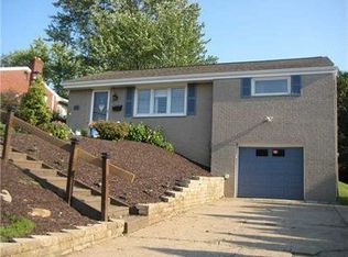 221 Rolling Dr , Pittsburgh PA