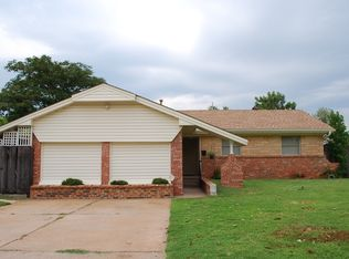 111 Cherrywood Dr , Midwest City OK