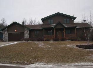 5011 Woodlawn St , Duluth MN