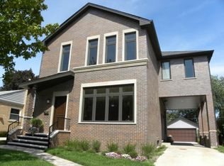 7649 N Oleander Ave , Niles IL