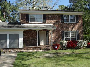 1821 Martindale Dr , Fayetteville NC