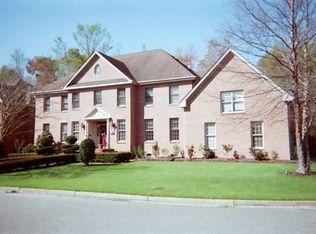 1200 Kingsbury Dr , Chesapeake VA