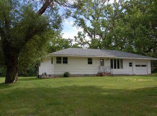 6068 Cedar St , North Branch MN