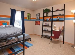 Eclectic Kids Bedroom With Chair Rail Amp Carpet In