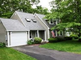 246 Cranwell Dr , Manchester NH