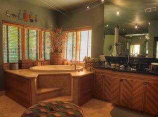 3302 N Manor Dr W , Phoenix AZ