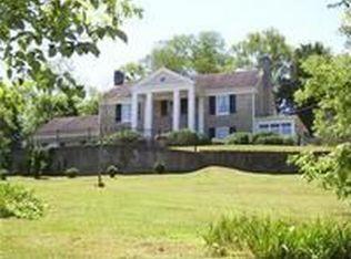 1123 E College St , Pulaski TN