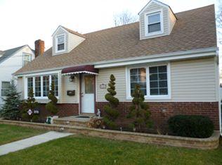 278 Windsor Pkwy , Hempstead NY