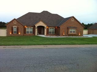 306 Mounds Rd , Harrah OK