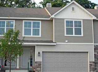 442 Stonewood Ln , Burnsville MN