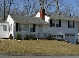 4 Moore Dr , Ayer MA