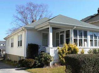 8 Hunter Ave , Newport RI