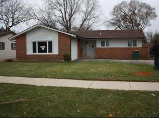 627 Oakton St , Elk Grove Village IL