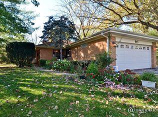 945 Manor Dr , Wilmette IL