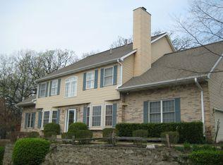 1381 Laurel Oaks Dr , Streamwood IL