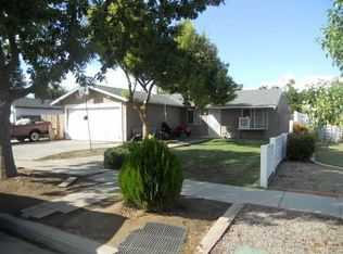 5937 E Robinson Ave , Fresno CA