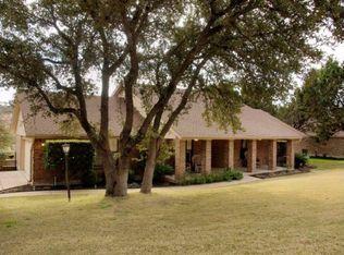 130 Long Wood Ave , Lakeway TX