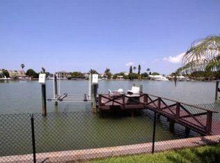 17016 Dolphin Dr , North Redington Beach FL