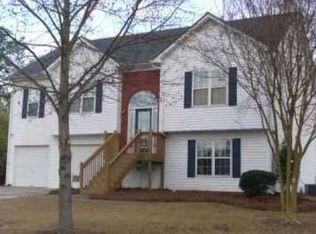 2738 Green Estates Dr , Snellville GA