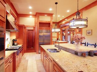 Craftsman Kitchen With Raised Panel Amp Pot Filler Faucet In