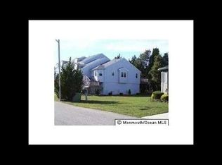 27 Oakland Bay Ct , Little Egg Harbor Twp NJ
