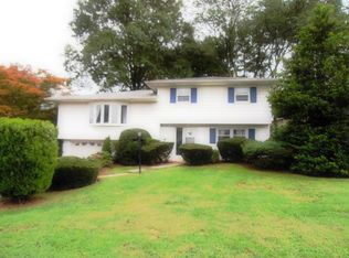 11 Valleyview Rd , Elmsford NY