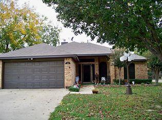 933 SE 2nd St , Grand Prairie TX
