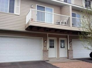 1587 County Road D E Unit C, Maplewood MN