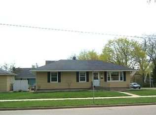 302 N 3rd St , Fort Atkinson WI