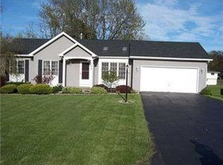 140 Brook Trout Ln , Rochester NY