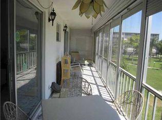 4700 Washington St Apt 301, Hollywood FL