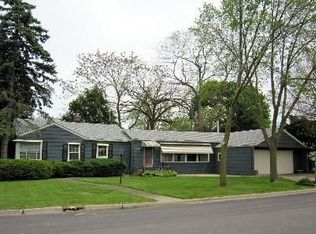 555 N West Rd , Lombard IL