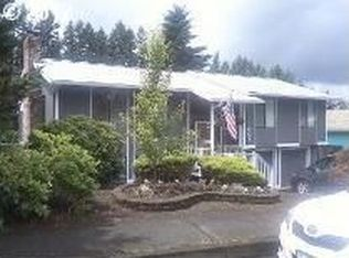 901 NE Edgehill Dr , Estacada OR