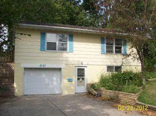 641 7th St N , Albany MN