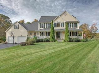 21 Blueberry Dr , Mendon MA